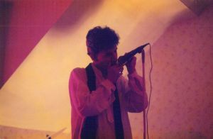 Chris à l'harmonica